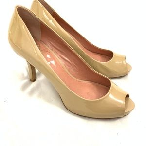 Vince Camuto Taupe Lacquer Heels 7